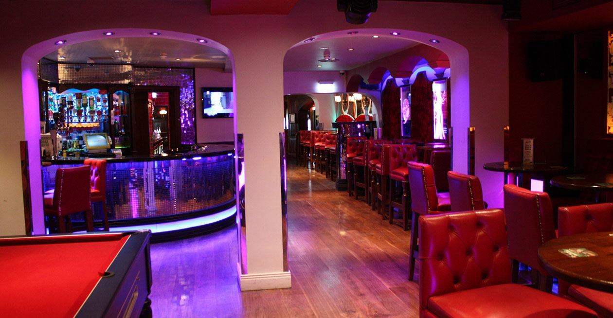 Moes Bar Project Images